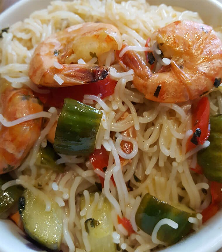 King prawns with rice noodles