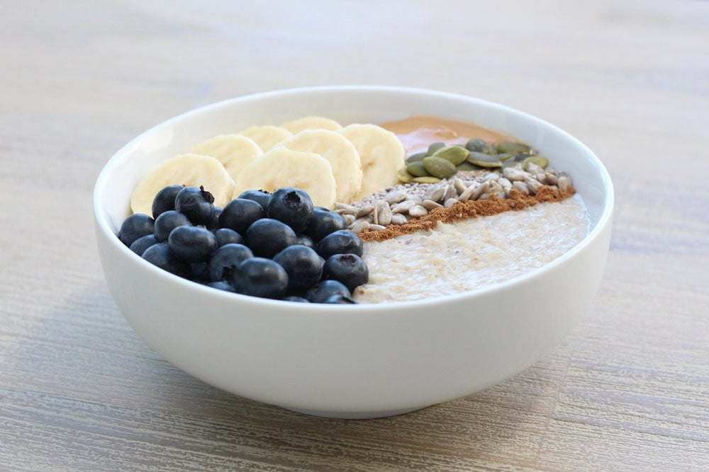 How to make blueberry with banana porridge